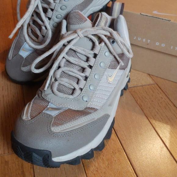 Nike ShoesWomens Hiking Nike Shoe Poshmark ShoesWomens 9IDEH2